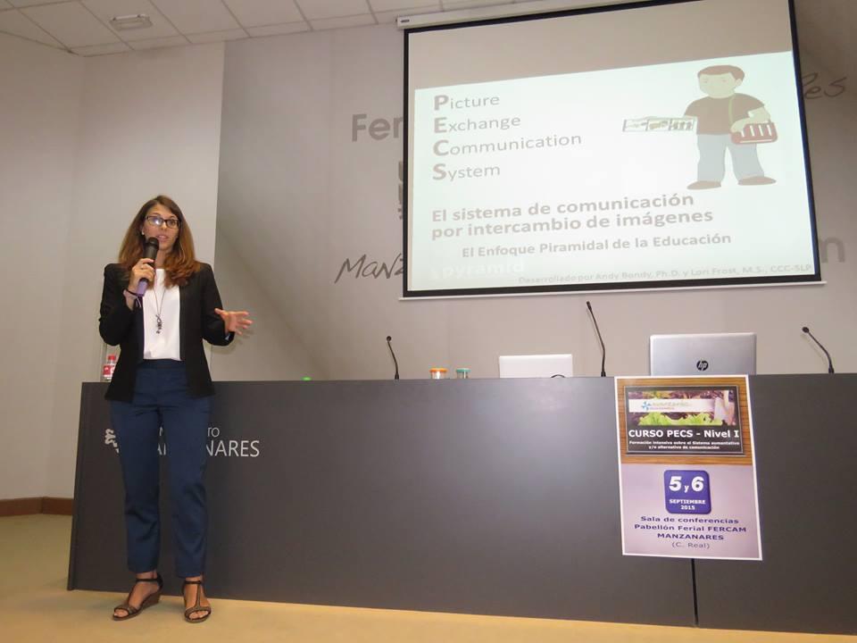 Cristina Ibáñez, en un momento de su exposición